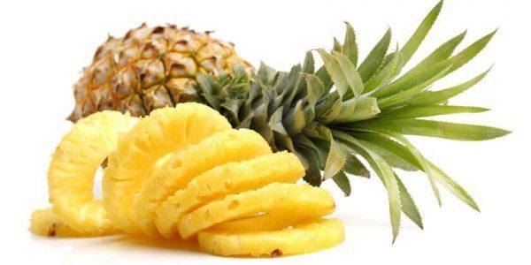 O abacaxi fortalece os nossos ossos