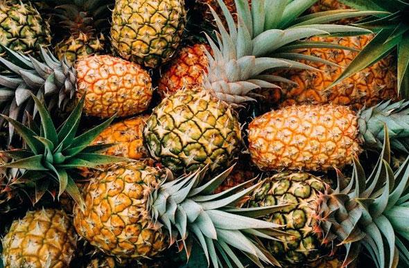 abacaxi Melhora o cabelo e a pele