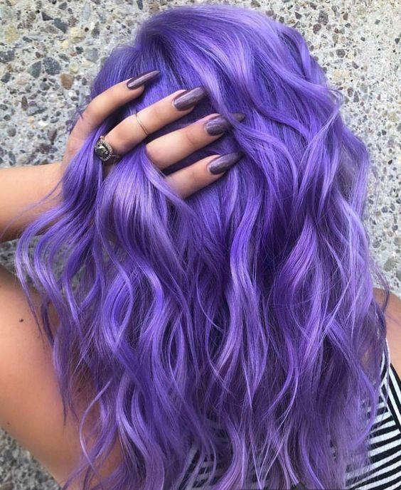 anilina lilás nos cabelos