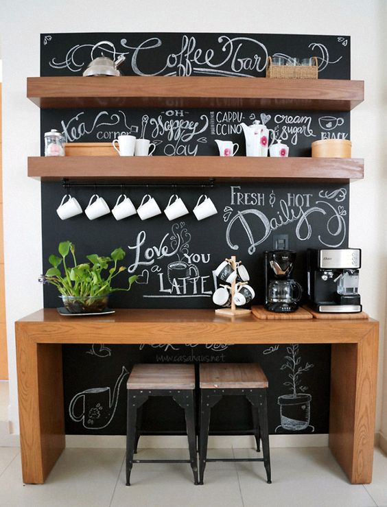 Aparador no cantinho do café