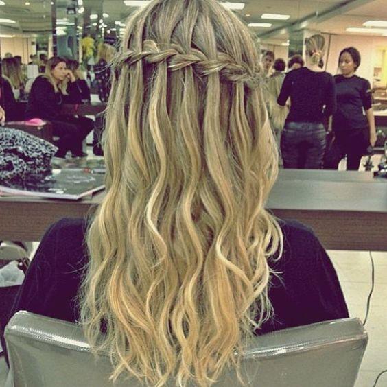 cabelo longo com trança para formatura