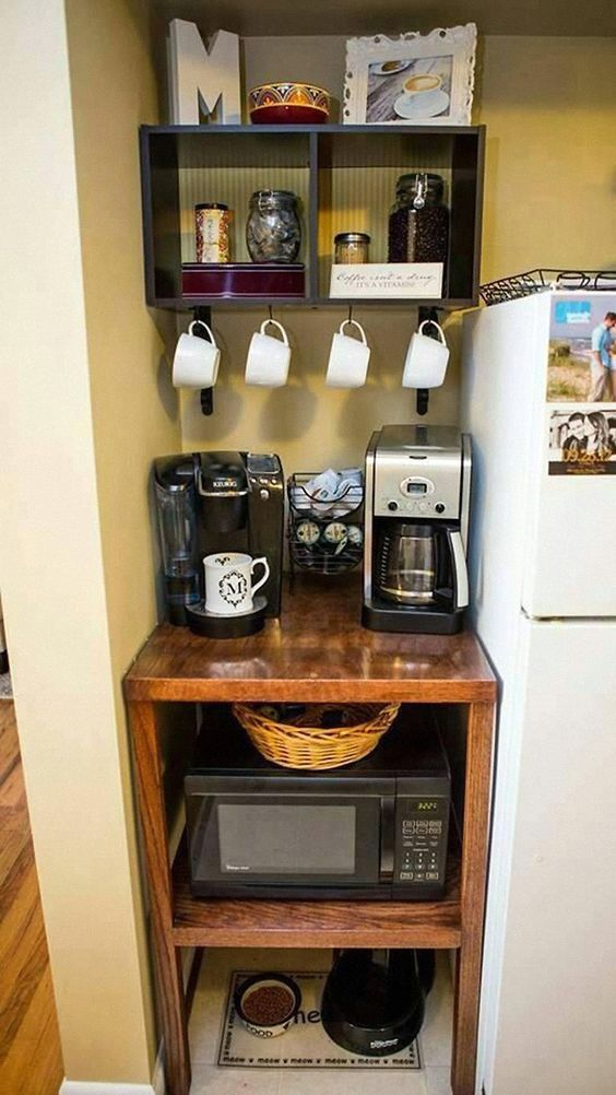 cafeteiras no cantinho do café