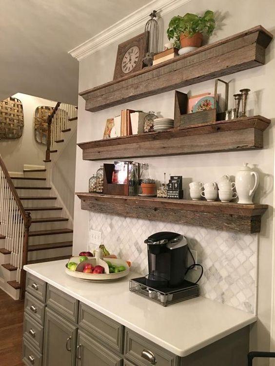 cantinho do café com decoração em madeira