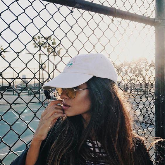 foto estilo tumblr Boné e óculos