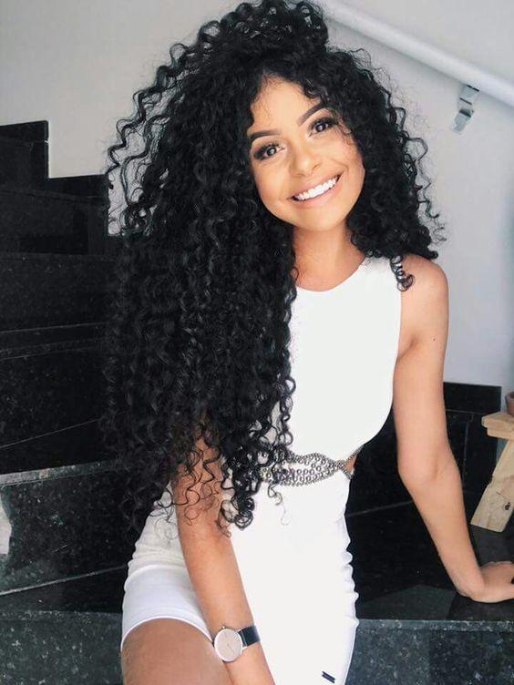 Penteados para Festa 2019 cabelo cacheado