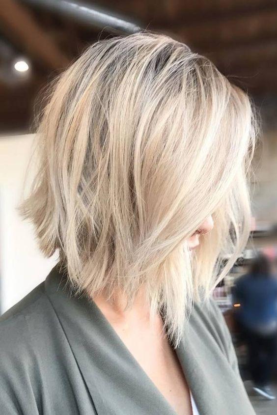 Cabelo curto loiro penteados